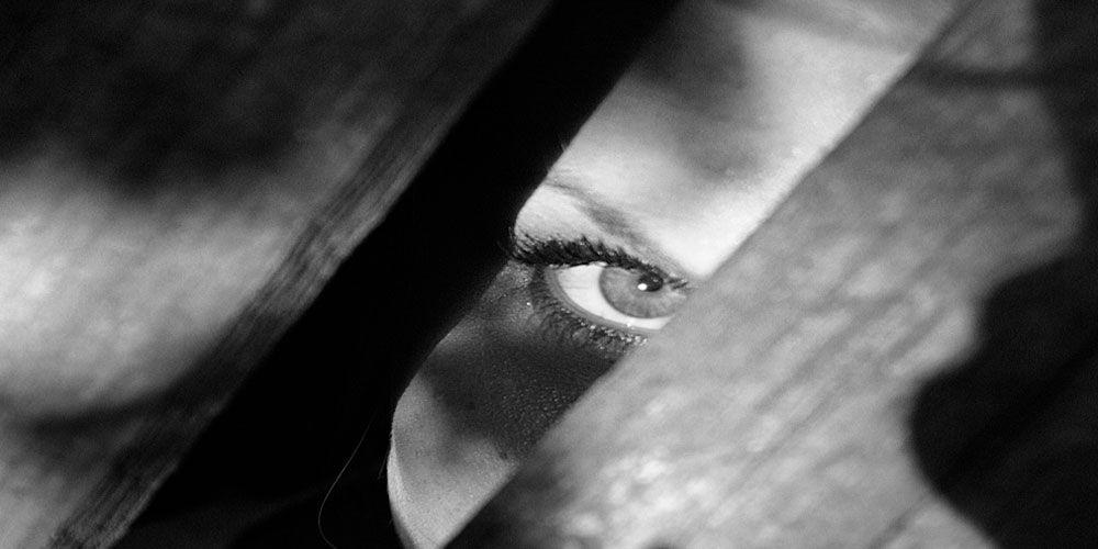 Cómo reconocer a las personas envidiosas y cuáles son las diferencias con los celosos